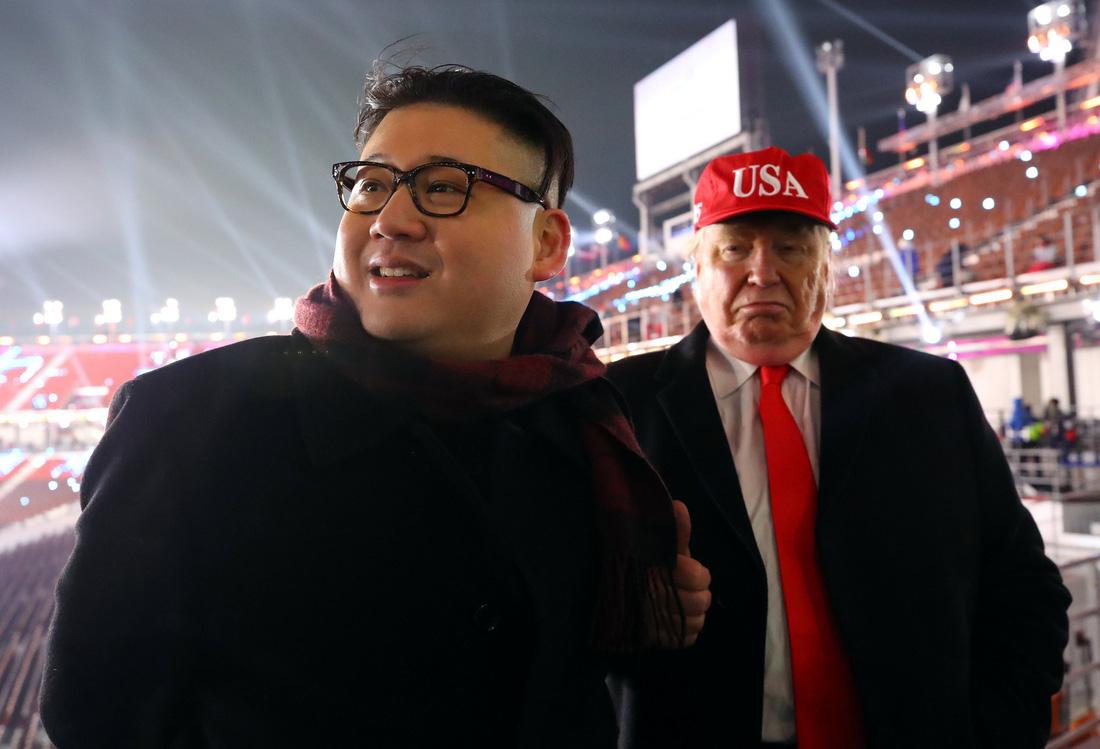 Em gái ông Kim Jong Un được chờ đón hơn sao điện ảnh - Ảnh 14.