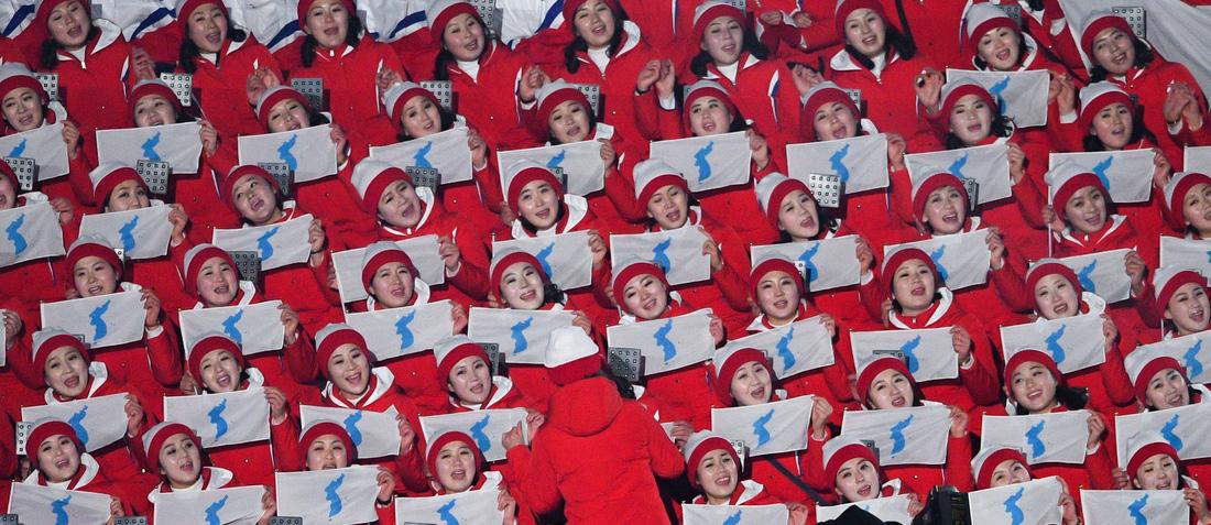 Em gái ông Kim Jong Un được chờ đón hơn sao điện ảnh - Ảnh 11.
