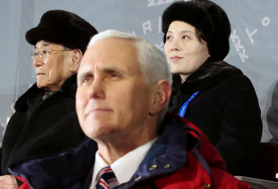 Em gái ông Kim Jong Un được chờ đón hơn sao điện ảnh - Ảnh 8.