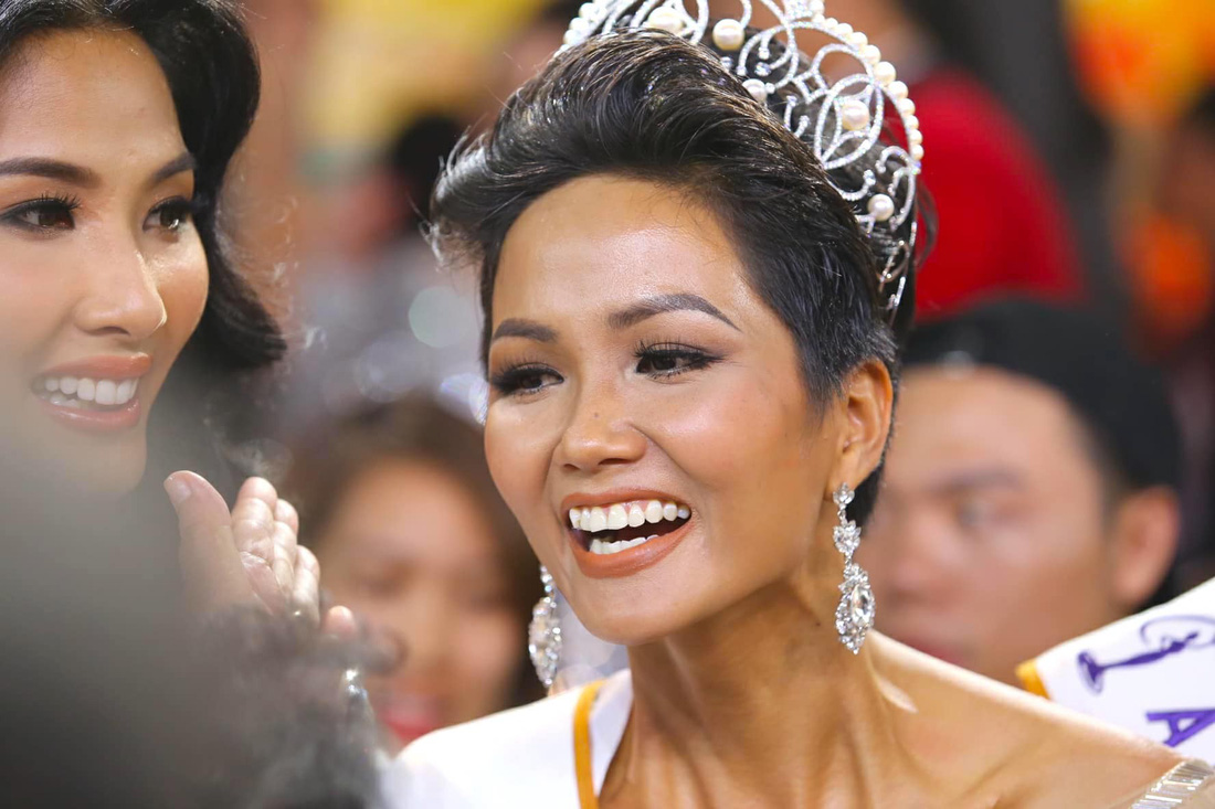 Ngắm nhan sắc tân hoa hậu HHen Niê qua các vòng thi - Ảnh 1.