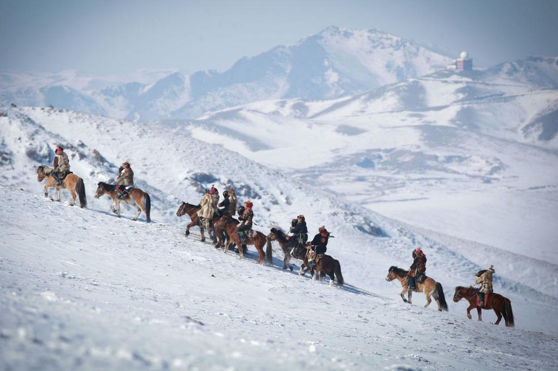 Lễ hội huấn luyện đại bàng ở Mông Cổ - Ảnh 5.
