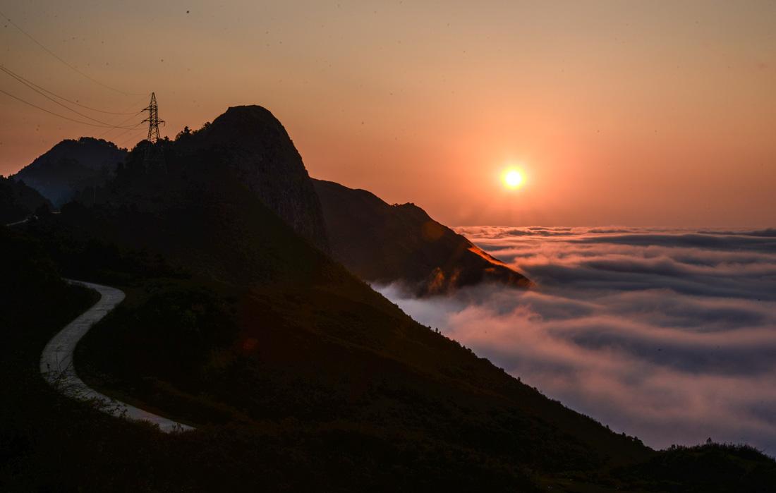 Bản sắc Việt: Thả hồn vào  mây núi Tà Xùa - Ảnh 5.