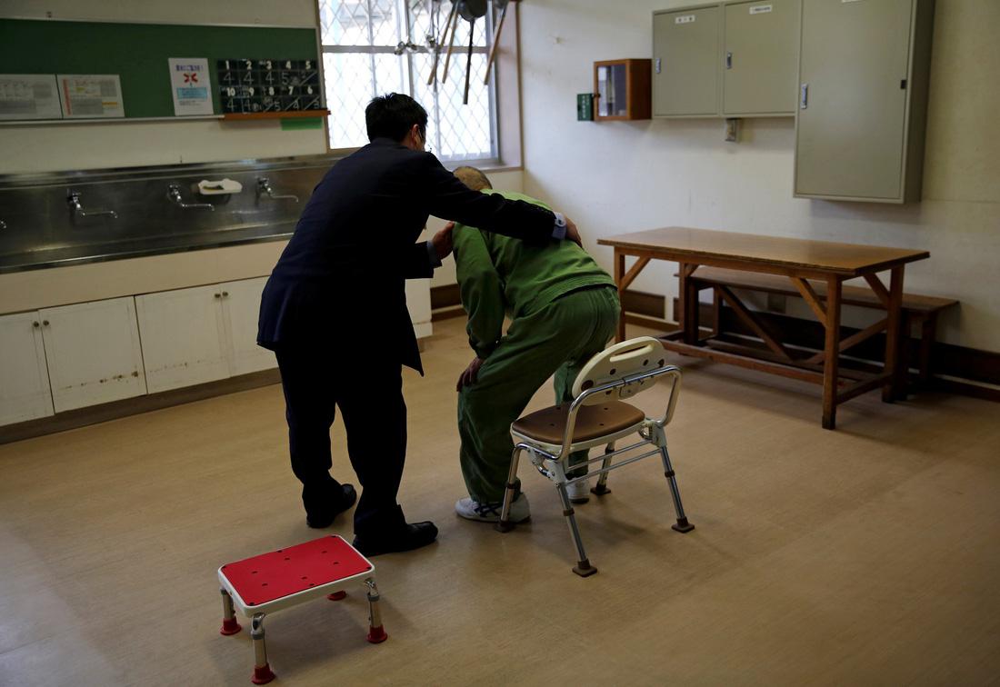 Người già Nhật Bản chọn nhà tù làm nơi an cư - Ảnh 4.