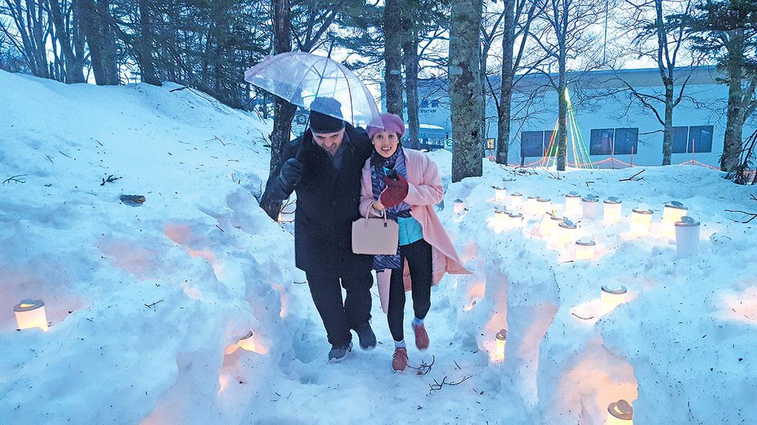 Vừa ngắm tuyết rơi, vừa ngắm anh đào ở Nhật - Ảnh 3.