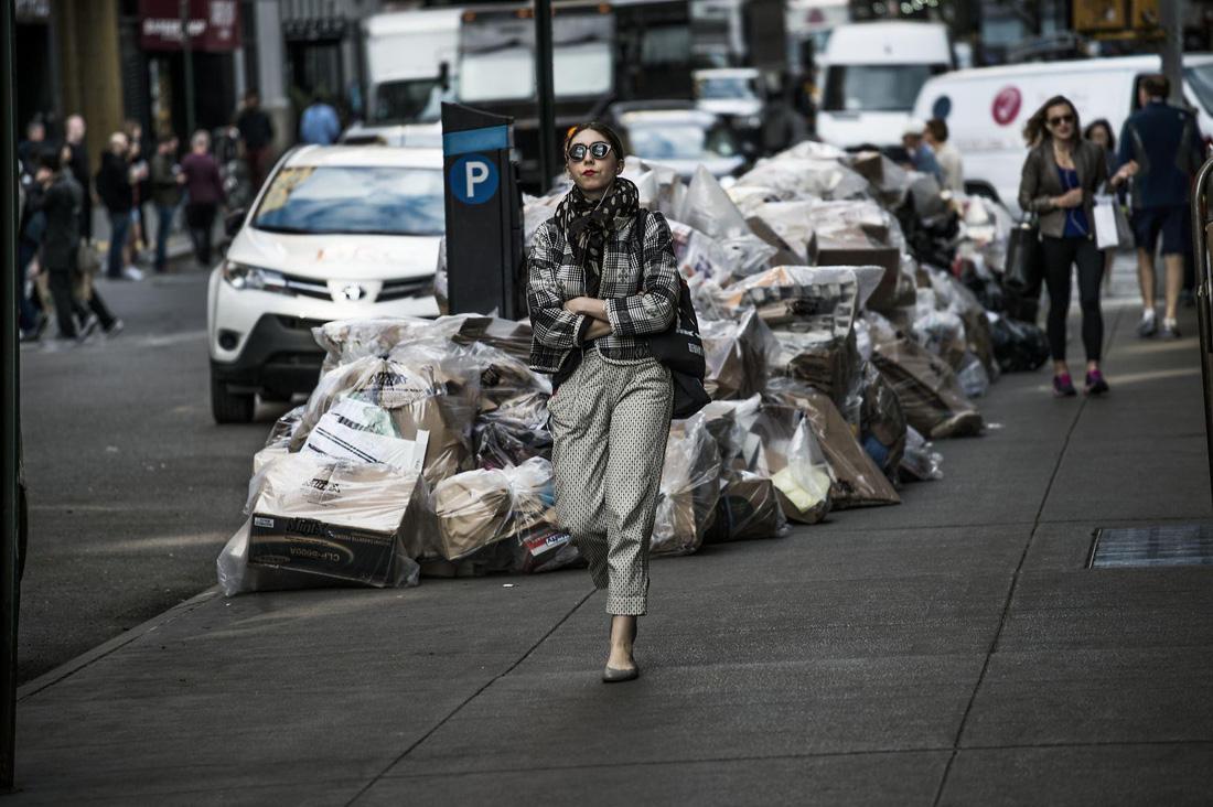 Đường đi của rác qua phóng sự ảnh đoạt giải World Press Photo 2018 - Ảnh 6.