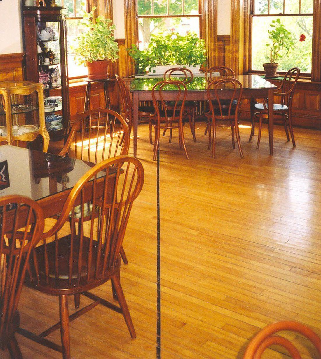 Thư viện và nhà hát kịch nằm giữa Mỹ và Canada - Ảnh 3.