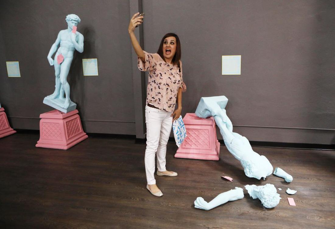 Thỏa sức 'selfie' tại Bảo tàng chụp ảnh tự sướng California - Ảnh 1.