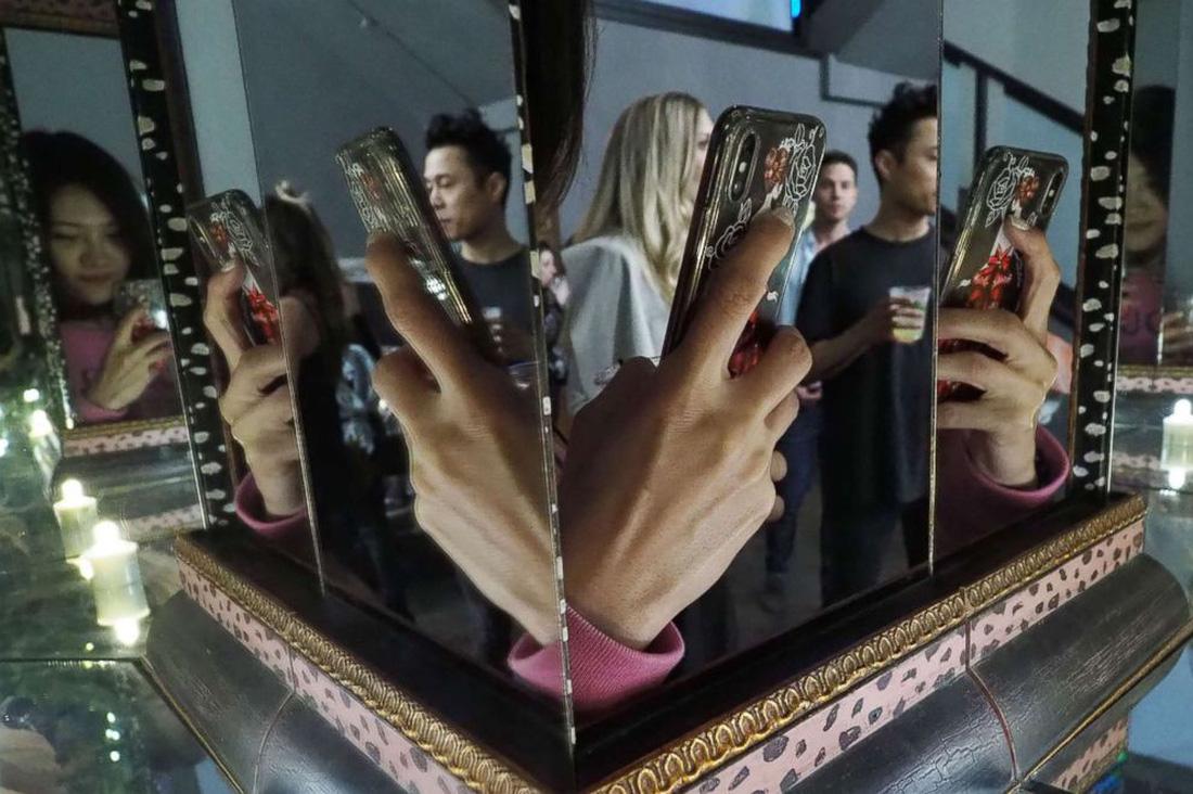 Thỏa sức 'selfie' tại Bảo tàng chụp ảnh tự sướng California - Ảnh 10.