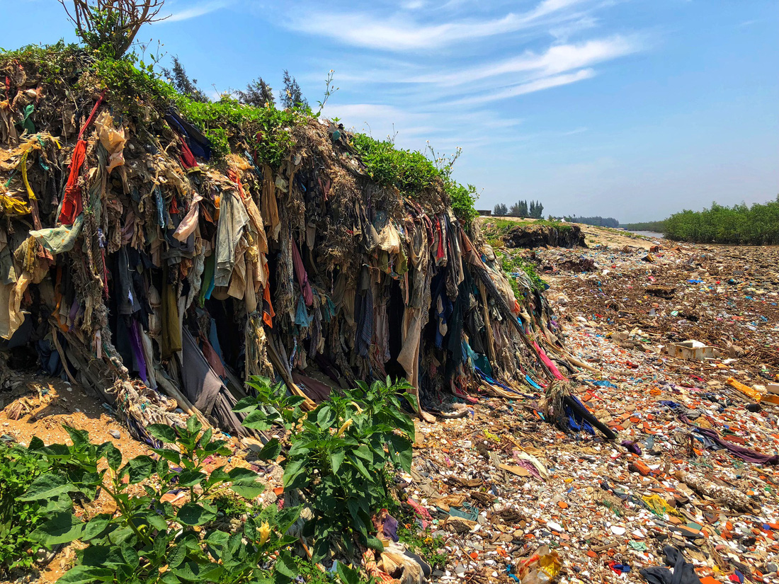 Kinh hoàng biển… rác ở Hậu Lộc, Thanh Hóa - Ảnh 9.