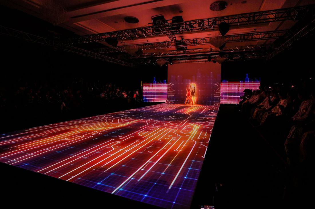 Show trình diễn công nghệ tại lễ khai trương Mytel - Ảnh 1.