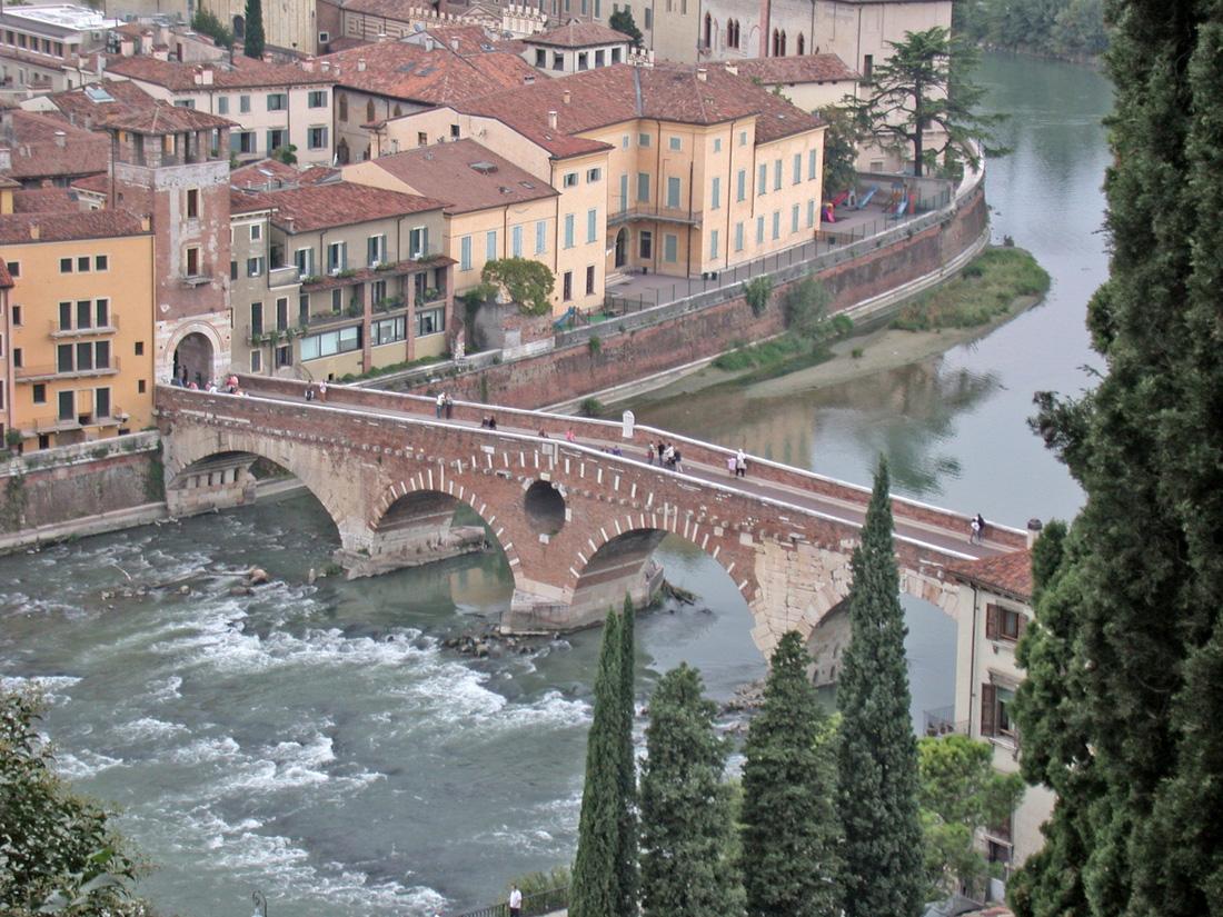 Đến nhà nàng Giulietta - người yêu của Romeo - Ảnh 7.