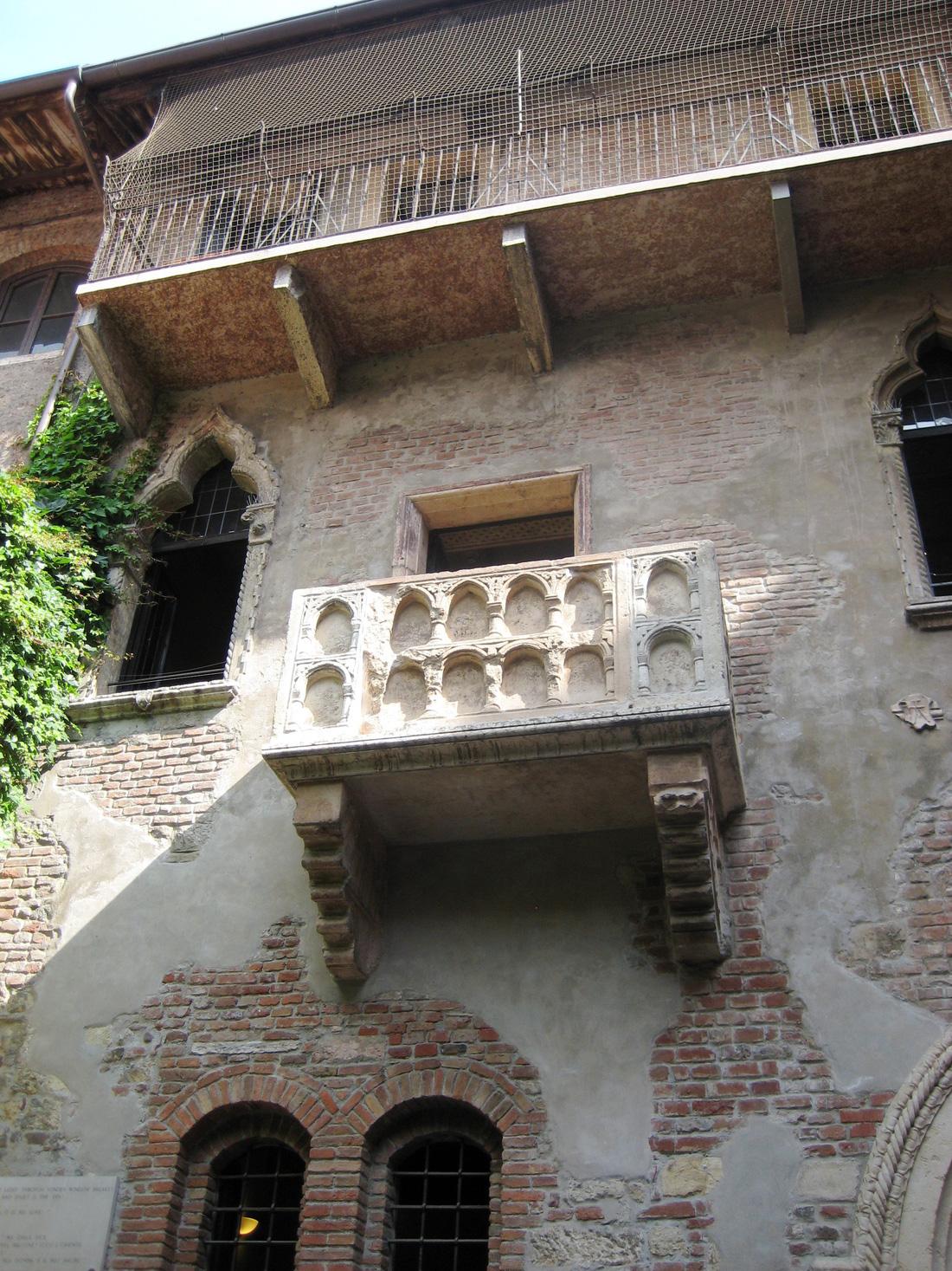 Đến nhà nàng Giulietta - người yêu của Romeo - Ảnh 3.