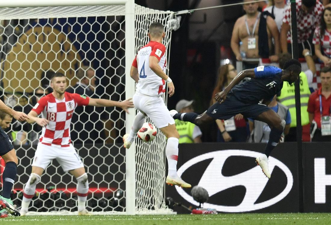 Những hình ảnh ấn tượng nhất đêm chung kết Croatia - Pháp - Ảnh 14.