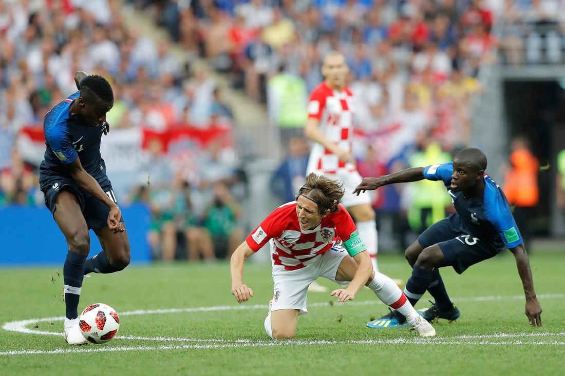 Những hình ảnh ấn tượng nhất đêm chung kết Croatia - Pháp - Ảnh 5.