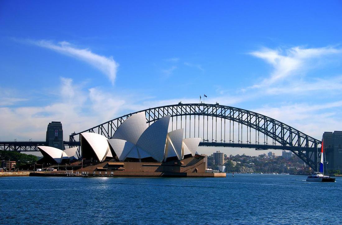 10 cây cầu nổi tiếng thế giới - Ảnh 2.