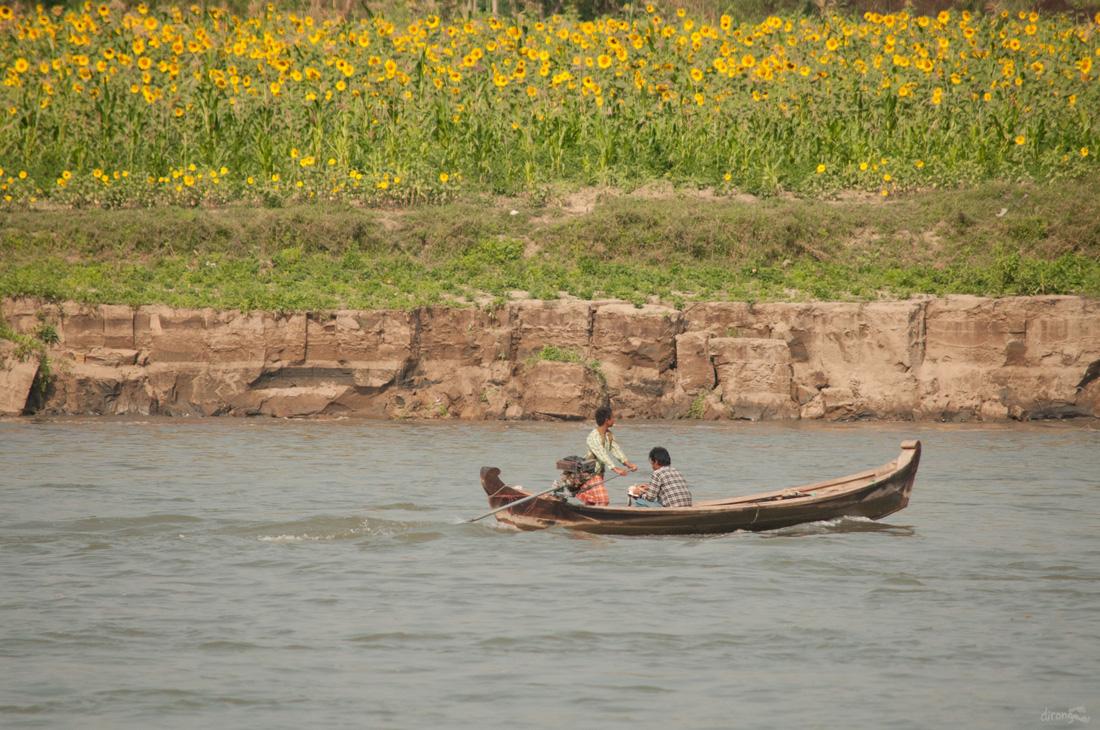 Đi Mandalay ngắm hoàng hôn ở cầu U Bein - Ảnh 2.