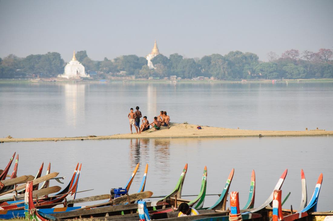 Đi Mandalay ngắm hoàng hôn ở cầu U Bein - Ảnh 3.