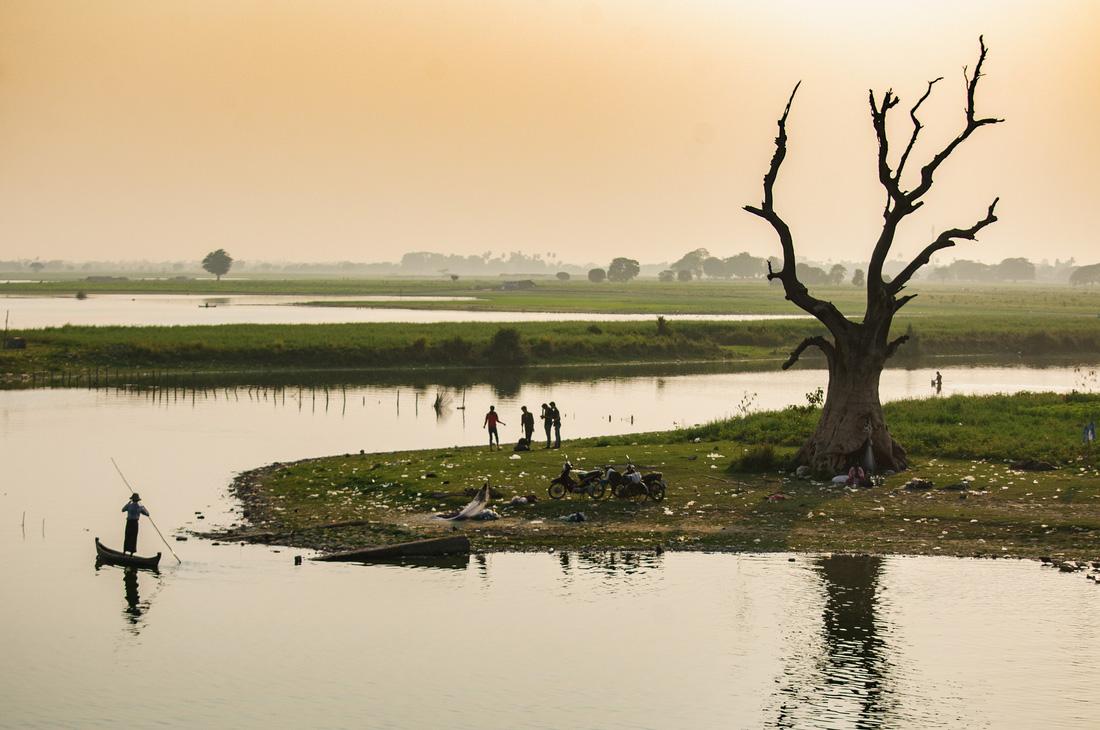 Đi Mandalay ngắm hoàng hôn ở cầu U Bein - Ảnh 6.
