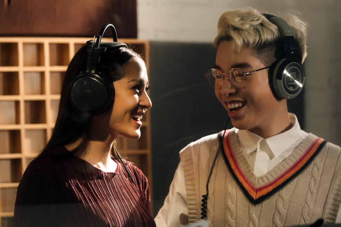 19 ca sĩ, nhóm nhạc hòa giọng trong album Bình tĩnh sống - Ảnh 6.
