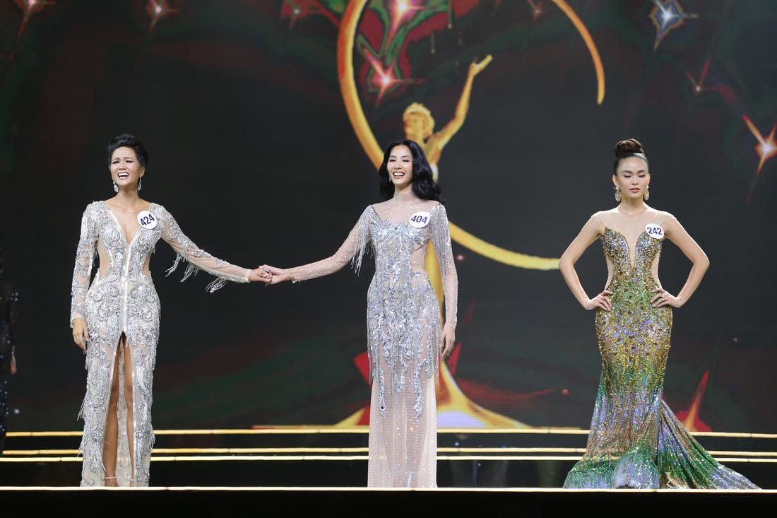 Ngắm nhan sắc tân hoa hậu HHen Niê qua các vòng thi - Ảnh 10.