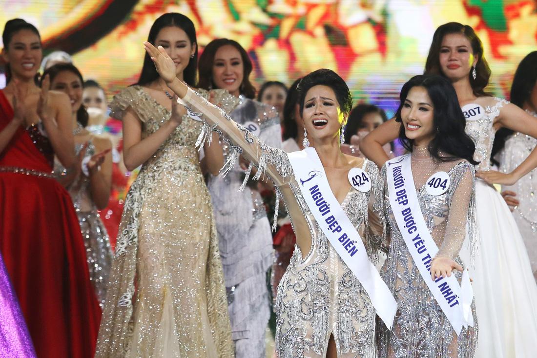 Ngắm nhan sắc tân hoa hậu HHen Niê qua các vòng thi - Ảnh 12.