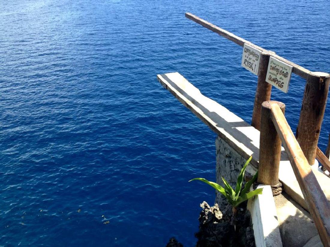 Nhảy xuống biển từ vách đá tại đảo thiên đường Philippines - Ảnh 7.