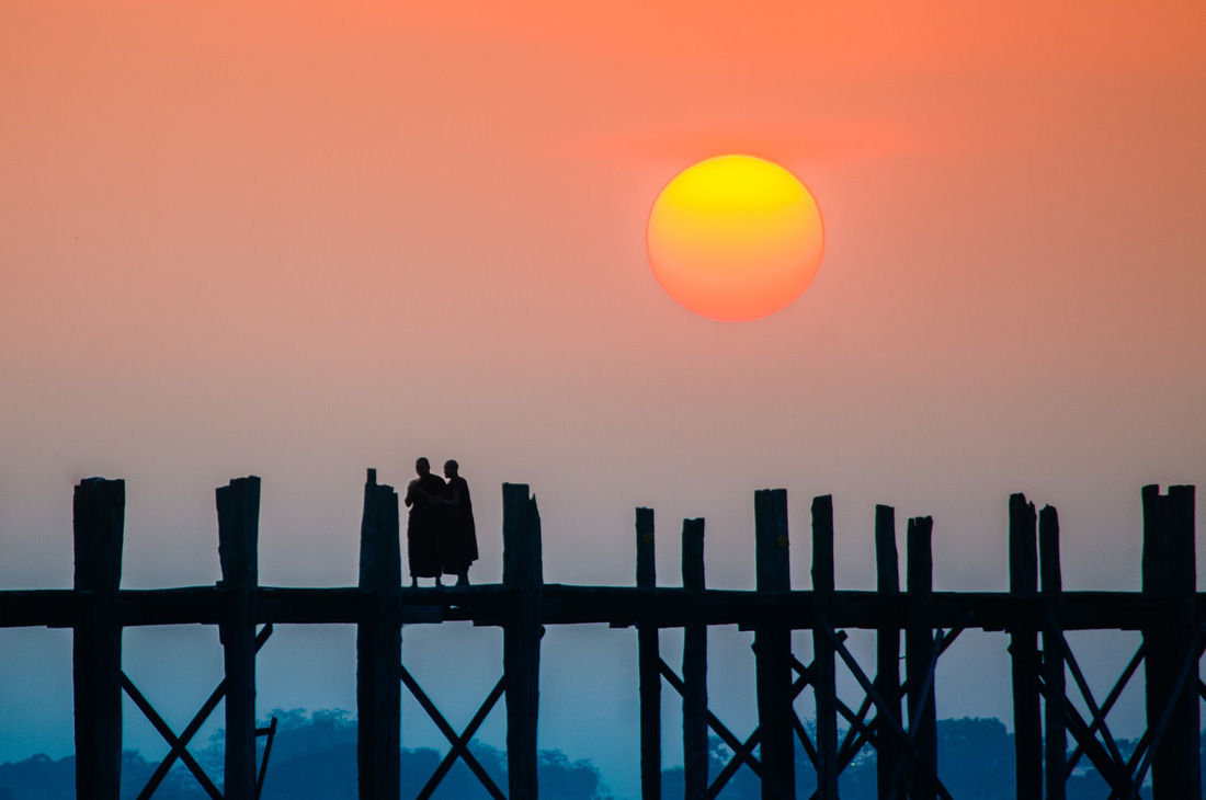 Đi Mandalay ngắm hoàng hôn ở cầu U Bein - Ảnh 14.