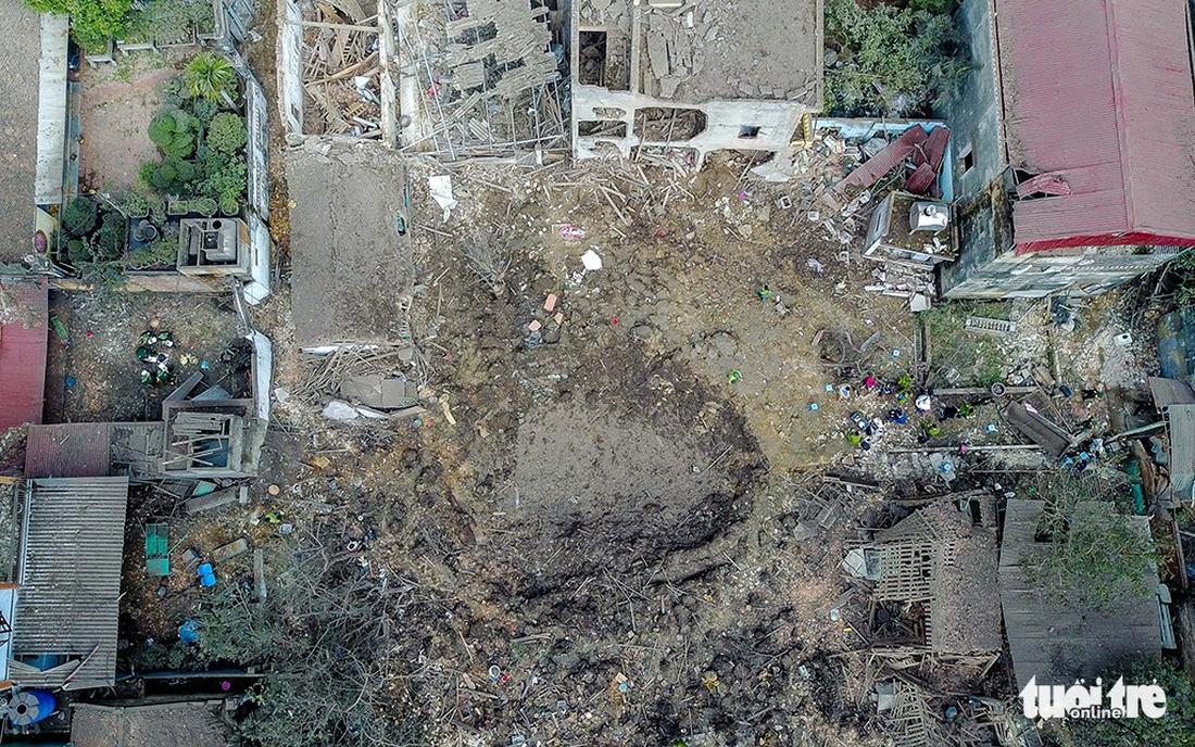 Hiện trường kinh hoàng vụ nổ kho phế liệu ở Bắc Ninh - Ảnh 4.