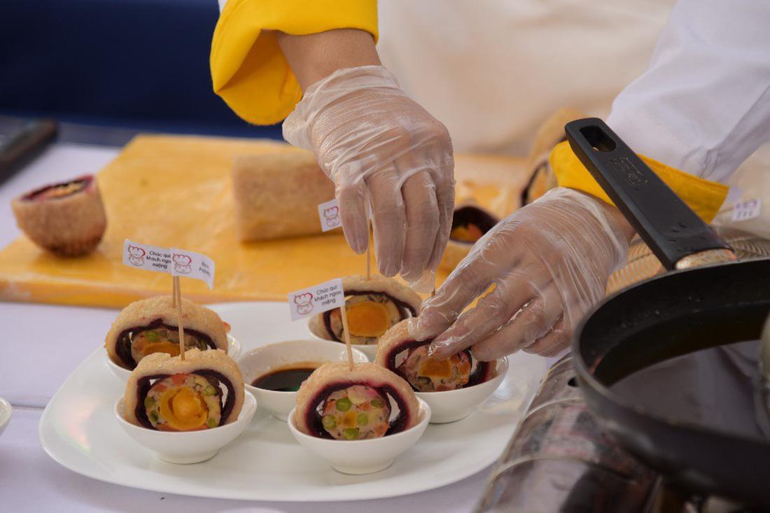 Vạn Ý Nghĩa vào top 50 món chiên ngon đặc sắc nhất Việt Nam - Ảnh 2.