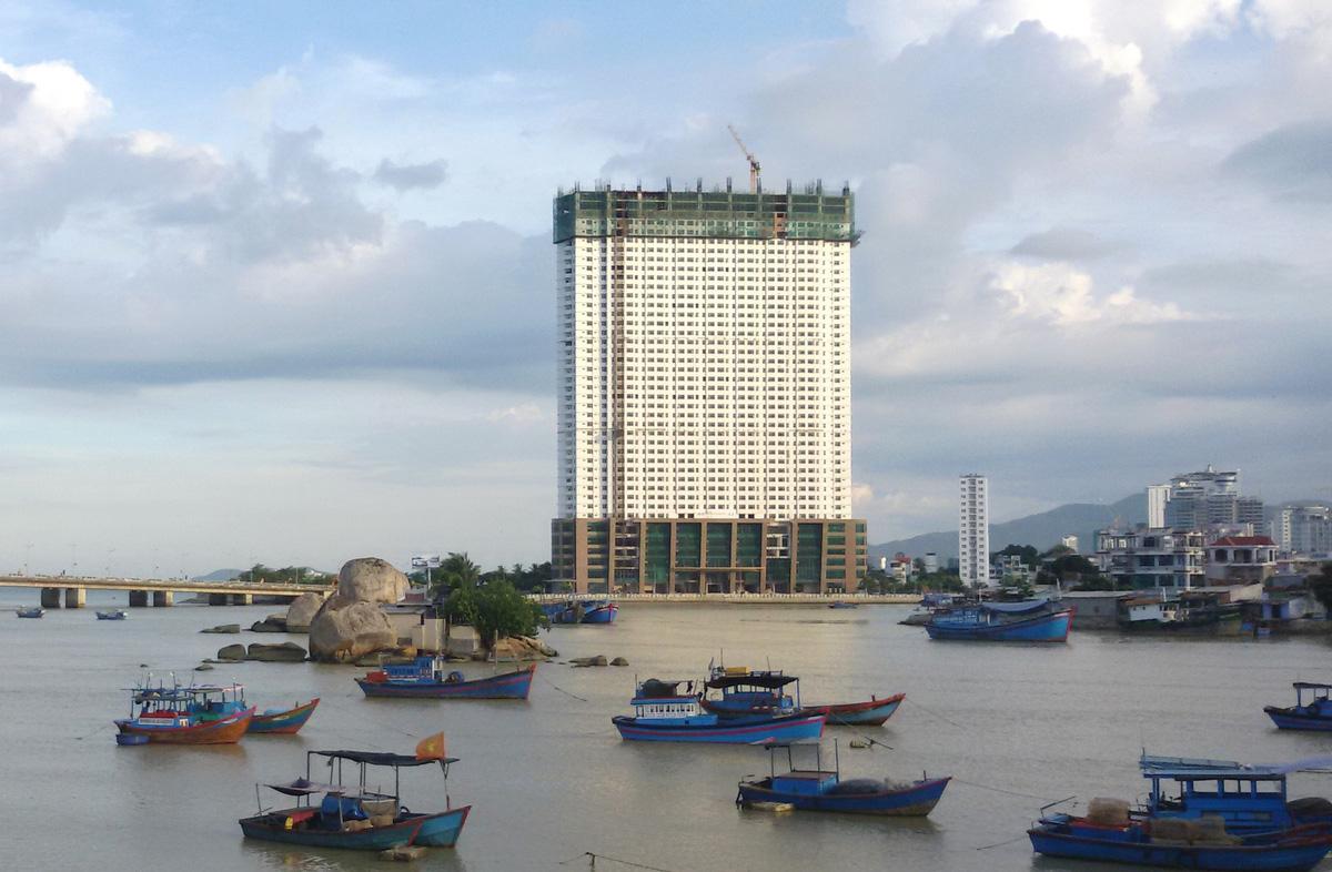 Người mua căn hộ vượt trần có thể kiện Mường Thanh
