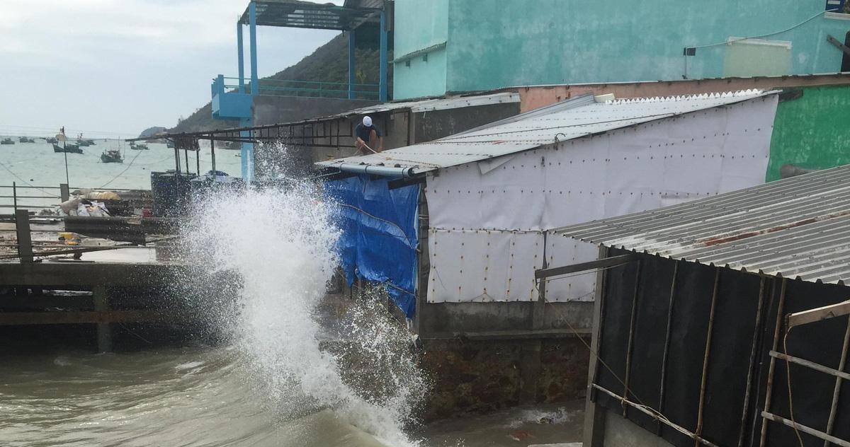 Gió mạnh dần, Kiên Giang sơ tán dân tránh bão Tembin
