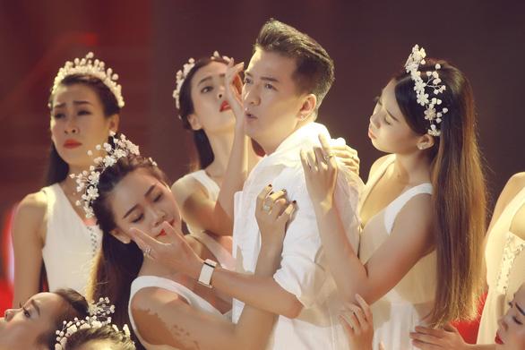 Gala nhạc Việt mừng tuổi lên 5 với Những ngày khi ta còn trẻ - Ảnh 4.