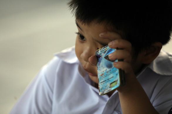 Giờ vào lớp quá sớm, học trò đờ đẫn vì thiếu ngủ - Ảnh 7.