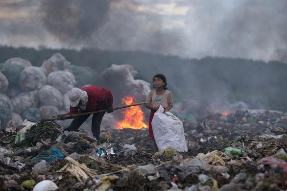 Nhiếp ảnh gia Việt thắng giải Ảnh môi trường quốc tế 2017 - Ảnh 1.