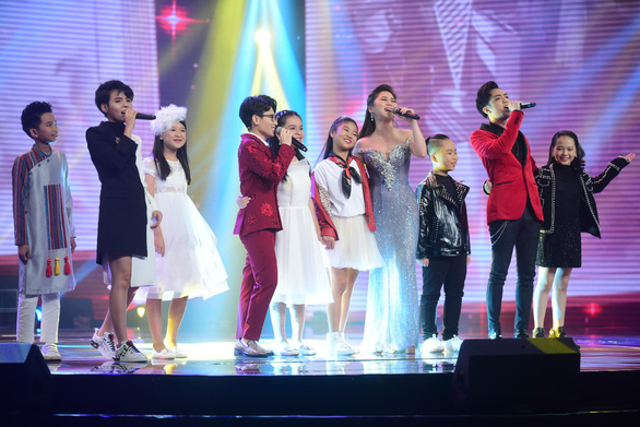 Ngọc Ánh giành quán quân Giọng hát Việt nhí 2017 - Ảnh 7.