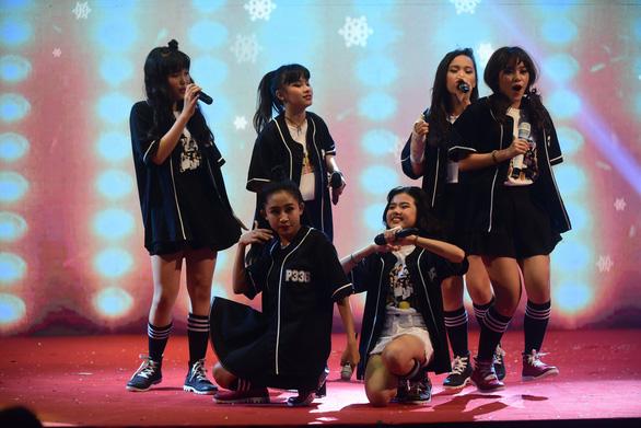 P336 lần đầu có mini show, hát cùng nhóm nhạc thần tượng Tempura Kidz - Ảnh 4.