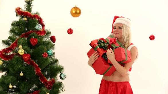 Tại sao Noel lại trang trí cây thông? - Ảnh 1.