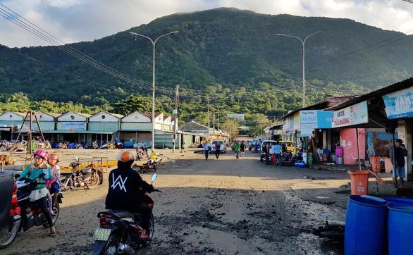 Hàng ngàn ngư dân tại Côn Đảo sẵn sàng ra khơi - Ảnh 2.