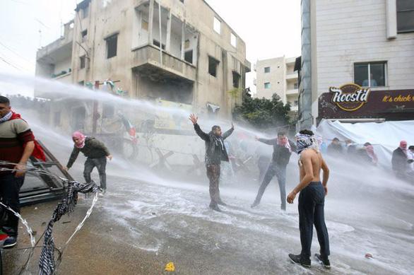 Biểu tình bạo lực phản đối Mỹ về quyết định Jerusalem - Ảnh 2.