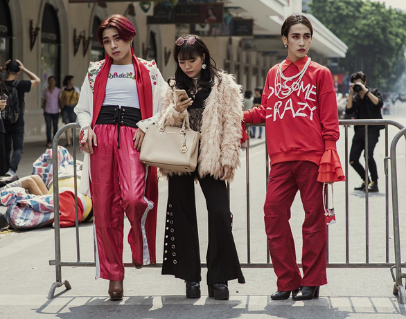 Thời trang đường phố độc lạ tại Vietnam International Fashion Week - Ảnh 6.