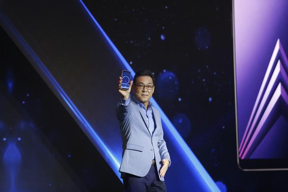 Ra mắt dòng điện thoại camera selfie kép Galaxy A8 và A8+ tại Việt Nam - Ảnh 1.