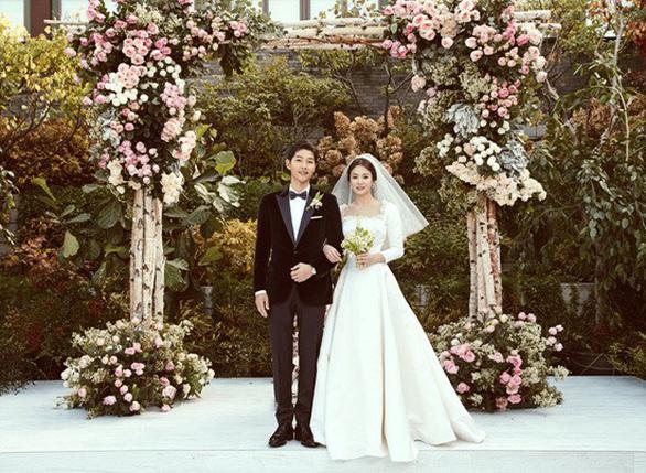 Những điều khiến fan phát điên trong đám cưới Song - Song - Ảnh 13.