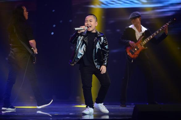 Ngọc Ánh giành quán quân Giọng hát Việt nhí 2017 - Ảnh 8.