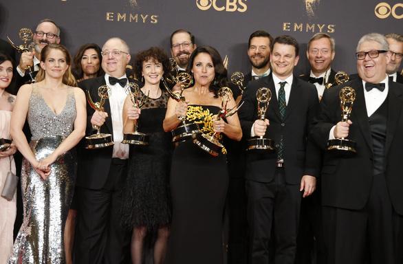Nicole Kidman lại được vinh danh ở Emmy 2017 - Ảnh 10.
