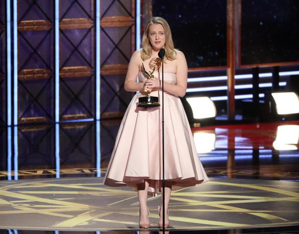 Nicole Kidman lại được vinh danh ở Emmy 2017 - Ảnh 5.