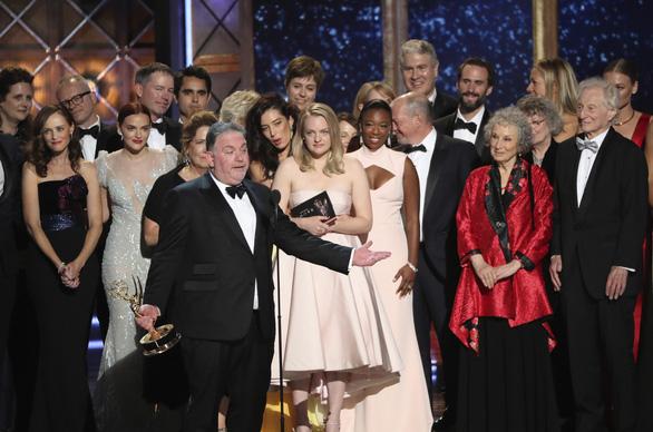 Nicole Kidman lại được vinh danh ở Emmy 2017 - Ảnh 1.