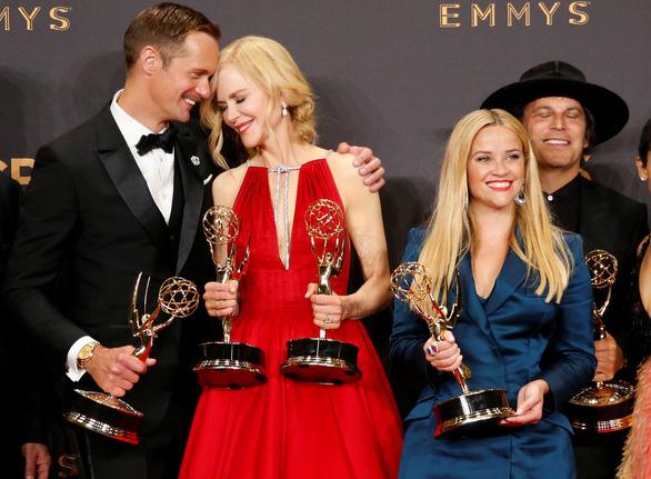 Nicole Kidman lại được vinh danh ở Emmy 2017 - Ảnh 9.