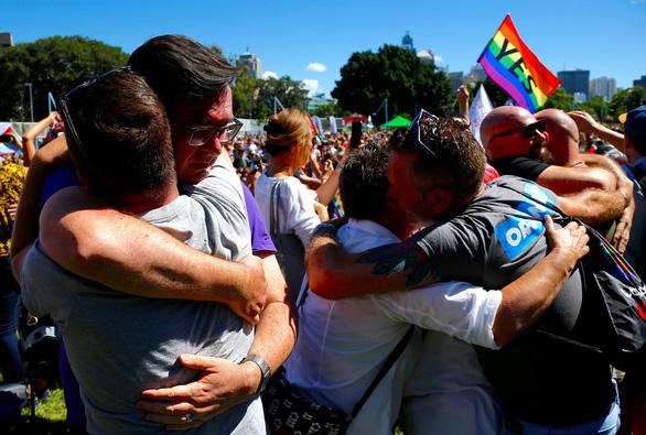 Lễ ăn mừng cầu vồng của người đồng tính Úc - Ảnh 8.