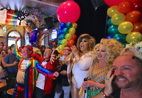 Lễ ăn mừng cầu vồng của người đồng tính Úc - Ảnh 11.