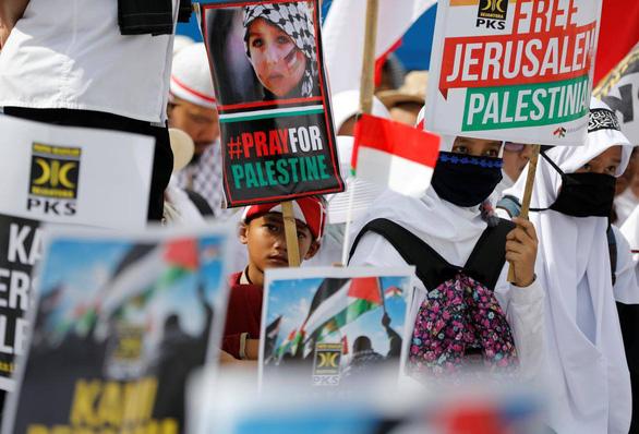 Biểu tình bạo lực phản đối Mỹ về quyết định Jerusalem - Ảnh 3.